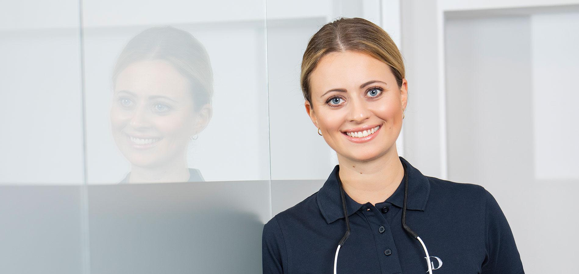Frau-Roepke- Dorothee-Jarleton-Zahnarzt-Praxis-Koeln