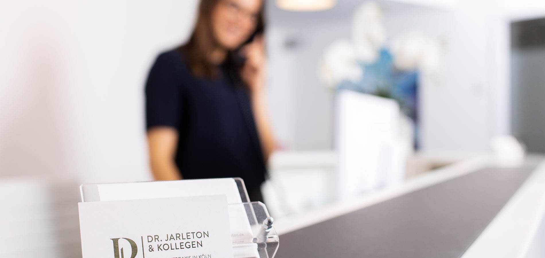 Dorothee-Jarleton-Zahnarzt-Praxis-Koeln-Jobs-2-und-Service-24h-Onlinetermine